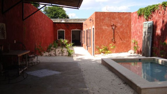 YLH-1047 2 Bedroom in Ermita section of Merida Yucatan for sale