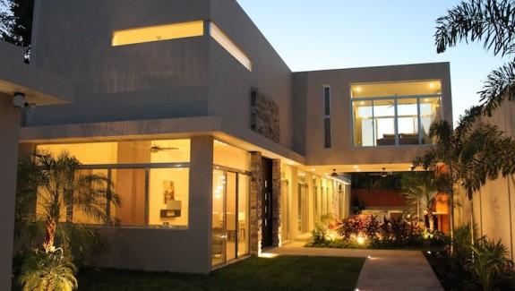 Home for sale in Merida Mexico entrada-exterior
