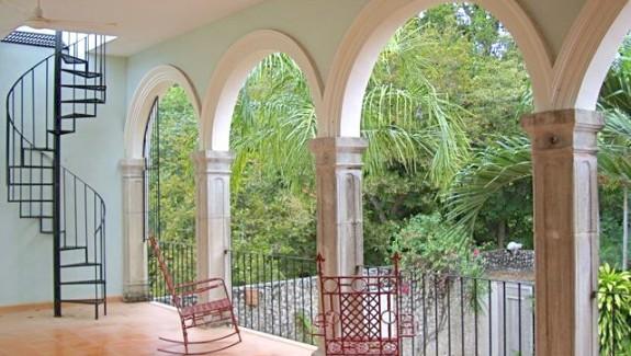 Santa Ana colonial home for sale in Merida