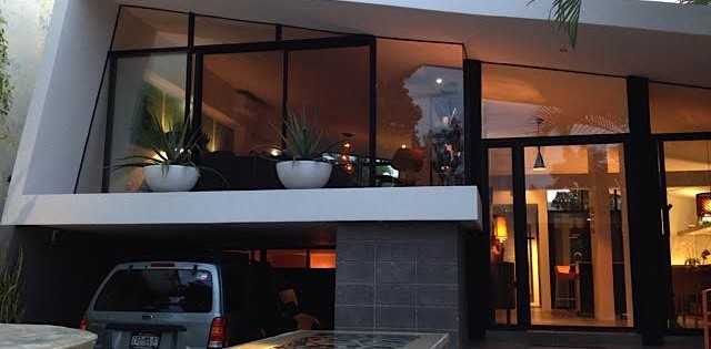 Midcentury modern home for sale in Merida houseatnight