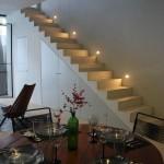 a16-mesa-y-escaleras