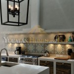 Renovated colonial for sale in Merida backsplasha