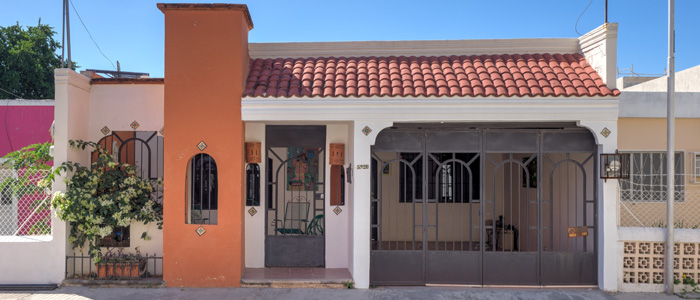Colorful colonial home for sale in Santa Ana Merida Yucatan